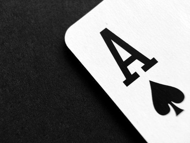 Why Do People Opt For Gambling at QQ Websites?